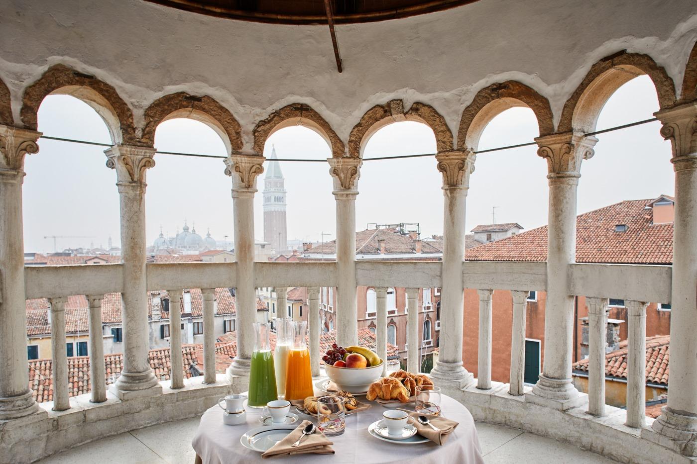 Private breakfast at Scala del Bovolo