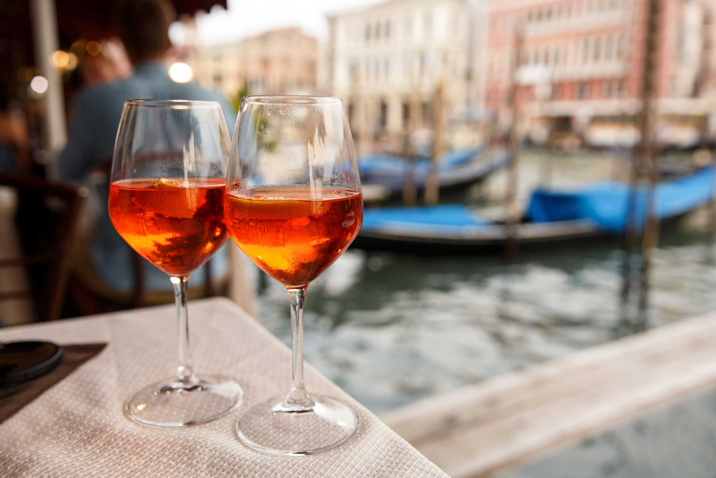 Gondola & Happyhour with a sommelier guide